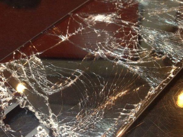iphone6P画面割れ修理!独自の補償+サービスも開始!