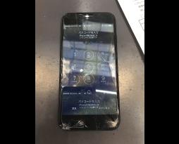 iPhone7画面割れ、液晶修理スマレンジャ―難波千日前店