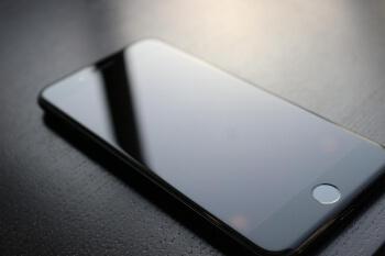 iPhone。大手キャリアで契約するか格安会社で契約するか: iPhone(アイフォン)修理戦隊!スマレンジャー【格安で即日対応】