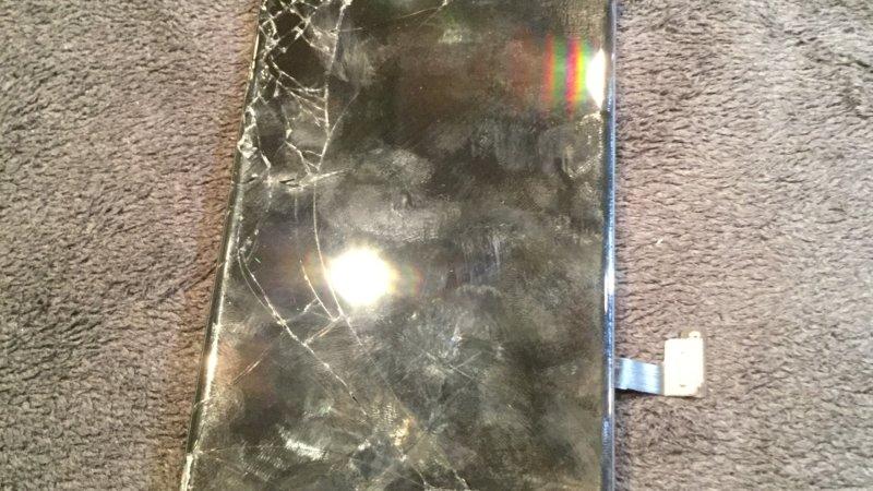 iPhone7のガラス液晶割れ修理を実施致しました!