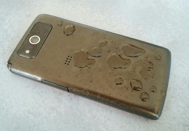 iPhoneは水没だけではない!湿気にも細心の注意を払おう