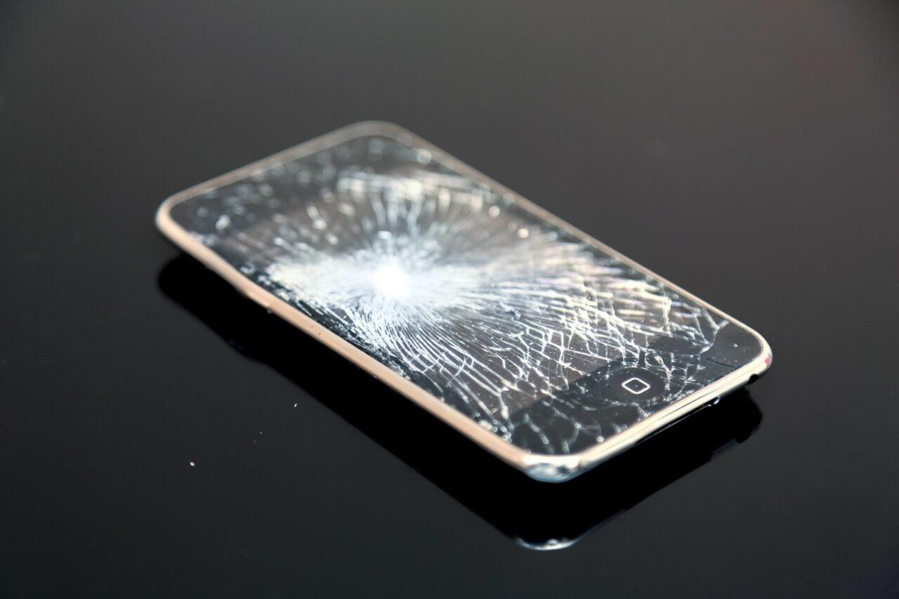 iPhoneはどの程度の衝撃で壊れる...
