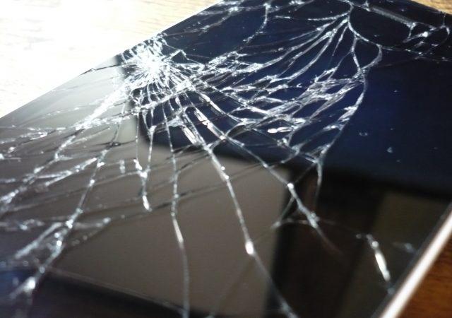 こんなことでiPhoneは壊れる!?身近なトラブル事例とその対処