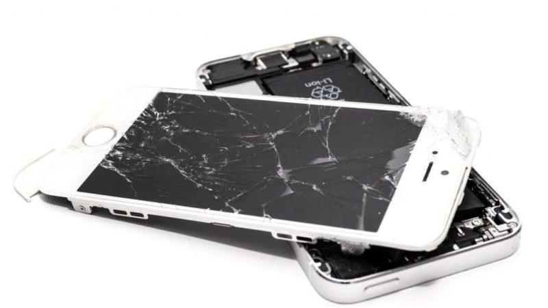 Repairing broken phone in Akihabara