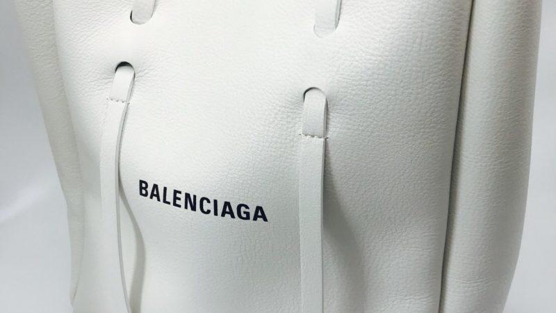 BALENCIAGA (バレンシアガ) トートバッグホワイトをガラスコーテイング!!