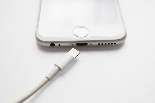 突然iPhoneの充電ができなくなってしまったら!!