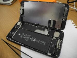 iPhoneの画面はスマートフォンの中では割れやすい